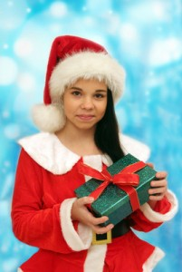 Ein Geschenk zu Weihnachen  (c) Alexandra H.  / pixelio.de