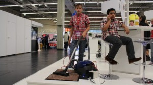 Rene mit seiner Erfindung  (c) Nathanael Meyer/PolTec