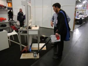Ein Test mit einem High-Tech Staubsauger (c) Santiago Reinbold / PolTec-Magazin