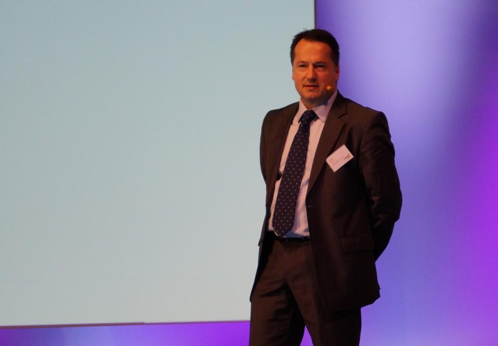 Rainer Lotz, Geschäftsführer der Renishaw GmbH