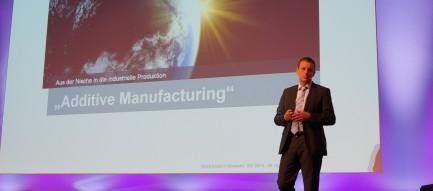 Dr. Neuhauser, CEO der Siemens Business Motion Control