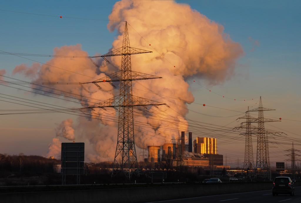 Ein Kohlekraftwerk (Foto: FotoHiero / pixelio.de )