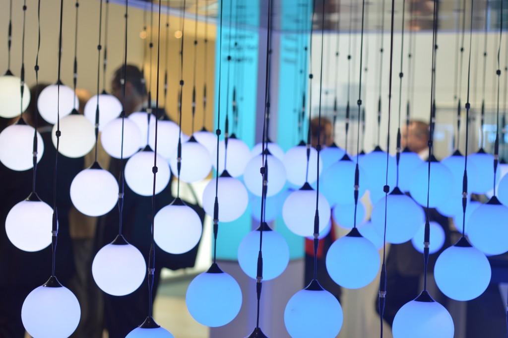 Ballons auf dem Messestand von Siemens symbolisieren die Cloud.