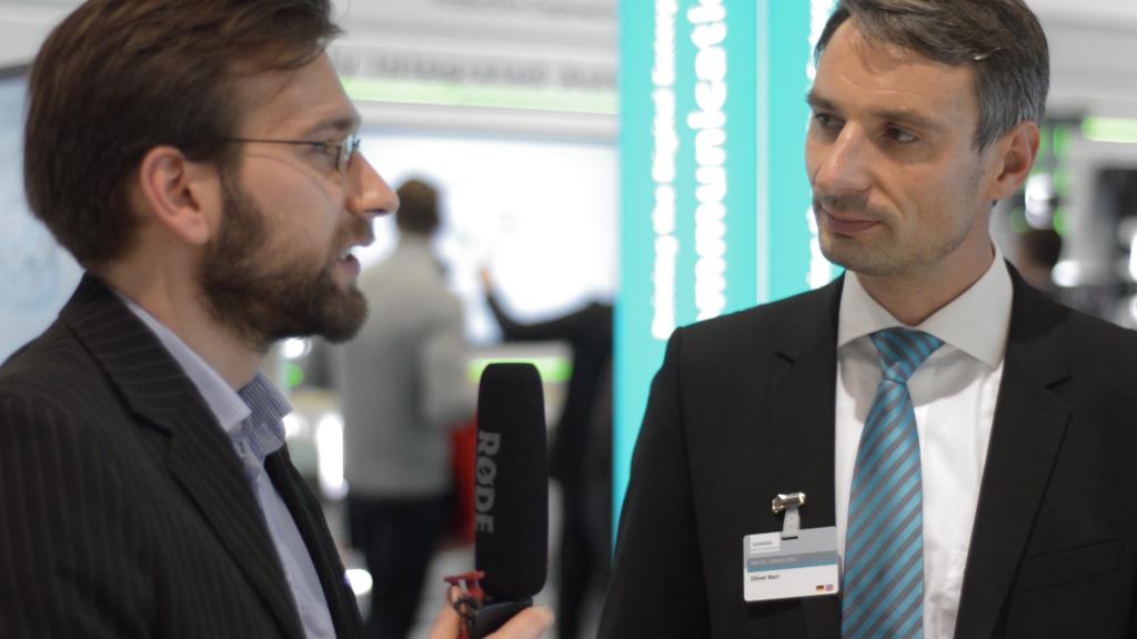 PolTec-Redakteur Ludwig Lehmann im Gespräch mit Oliver Narr von Siemens.